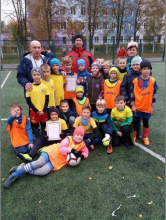 /Files/images/rayonniy_zahd/futbol/2018-2019/футбол 2 місце.jpg